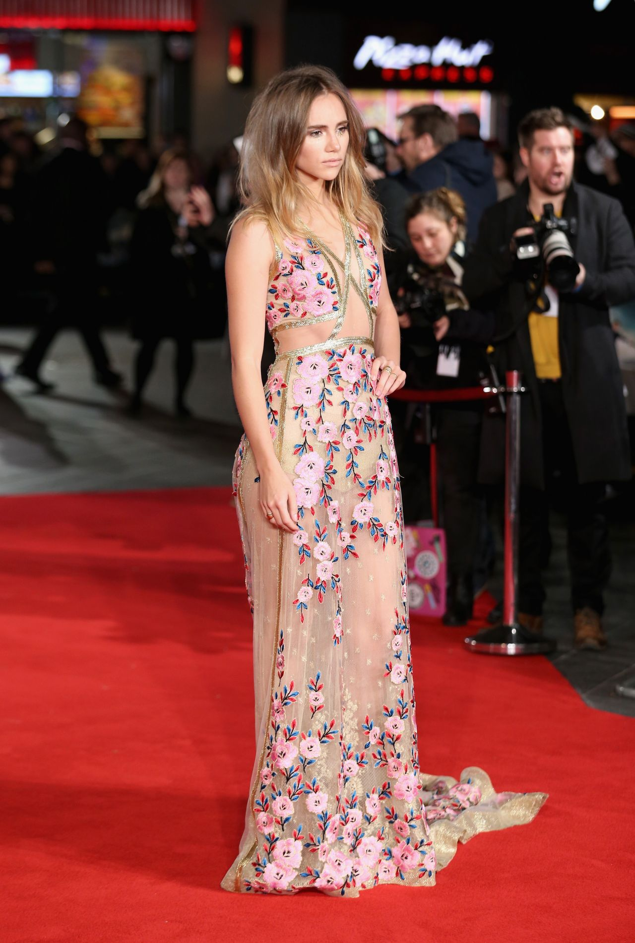 suki-waterhouse-pride-and-prejudice-and-zombies-premiere-in-london-2