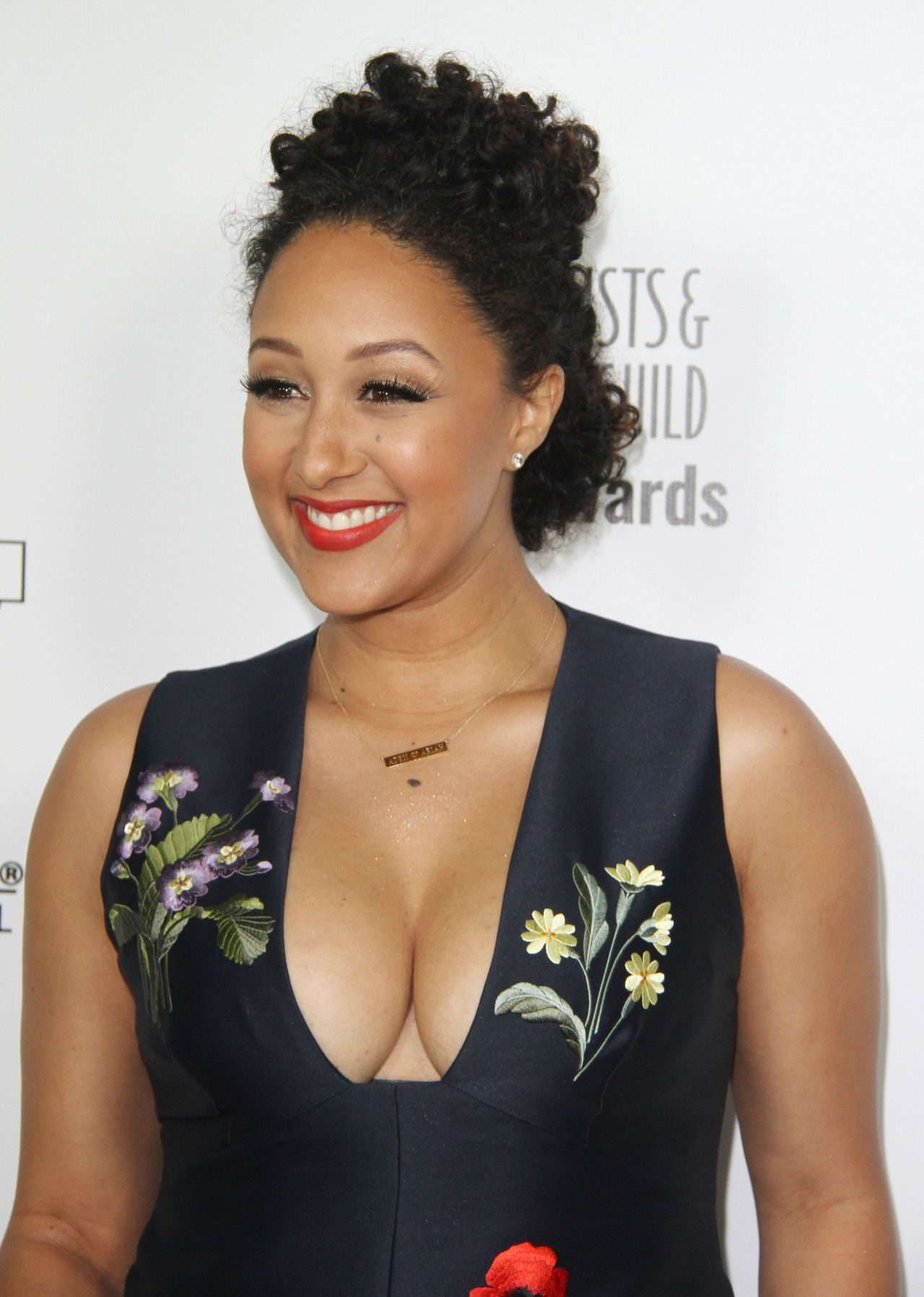 tamera-mowry-the-2016-make-up-artist-hair-stylist-guild-awards-in-los-angeles-3