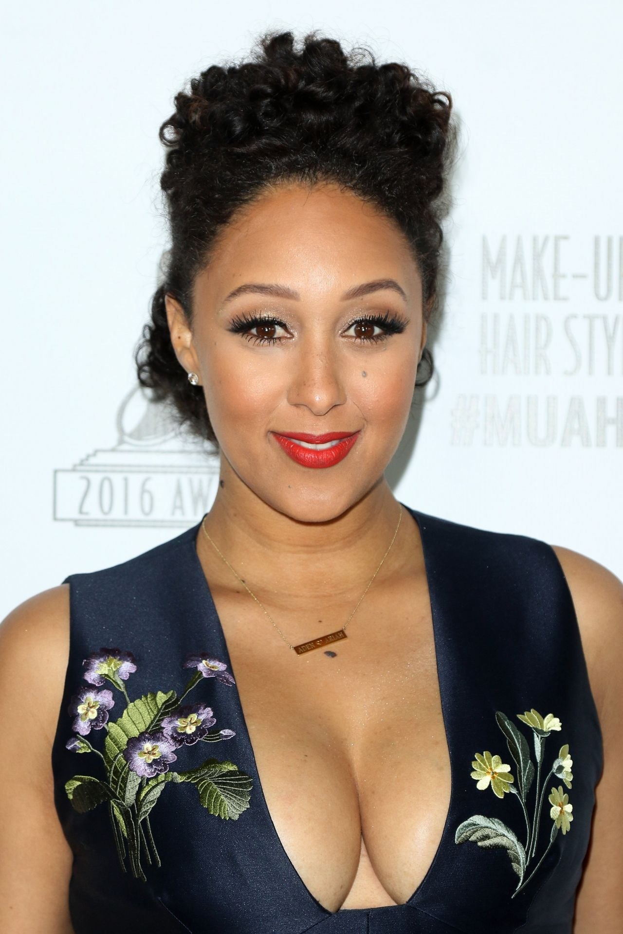 tamera-mowry-the-2016-make-up-artist-hair-stylist-guild-awards-in-los-angeles-7