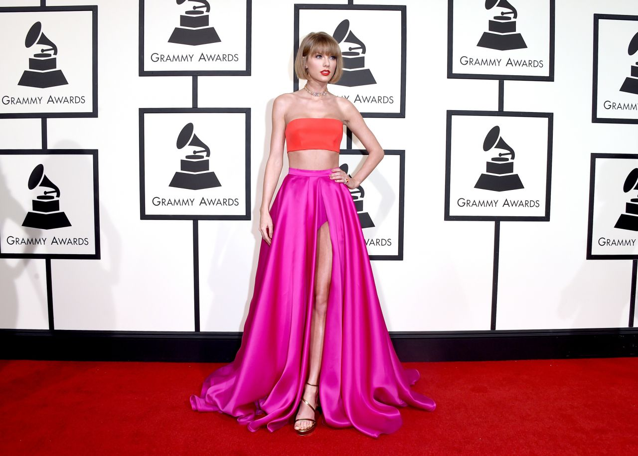 taylor-swift-2016-grammy-awards-in-los-angeles-ca-10