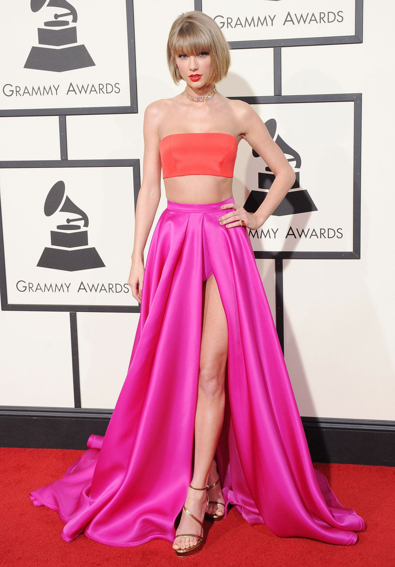 taylor-swift-2016-grammy-awards-in-los-angeles-ca-17