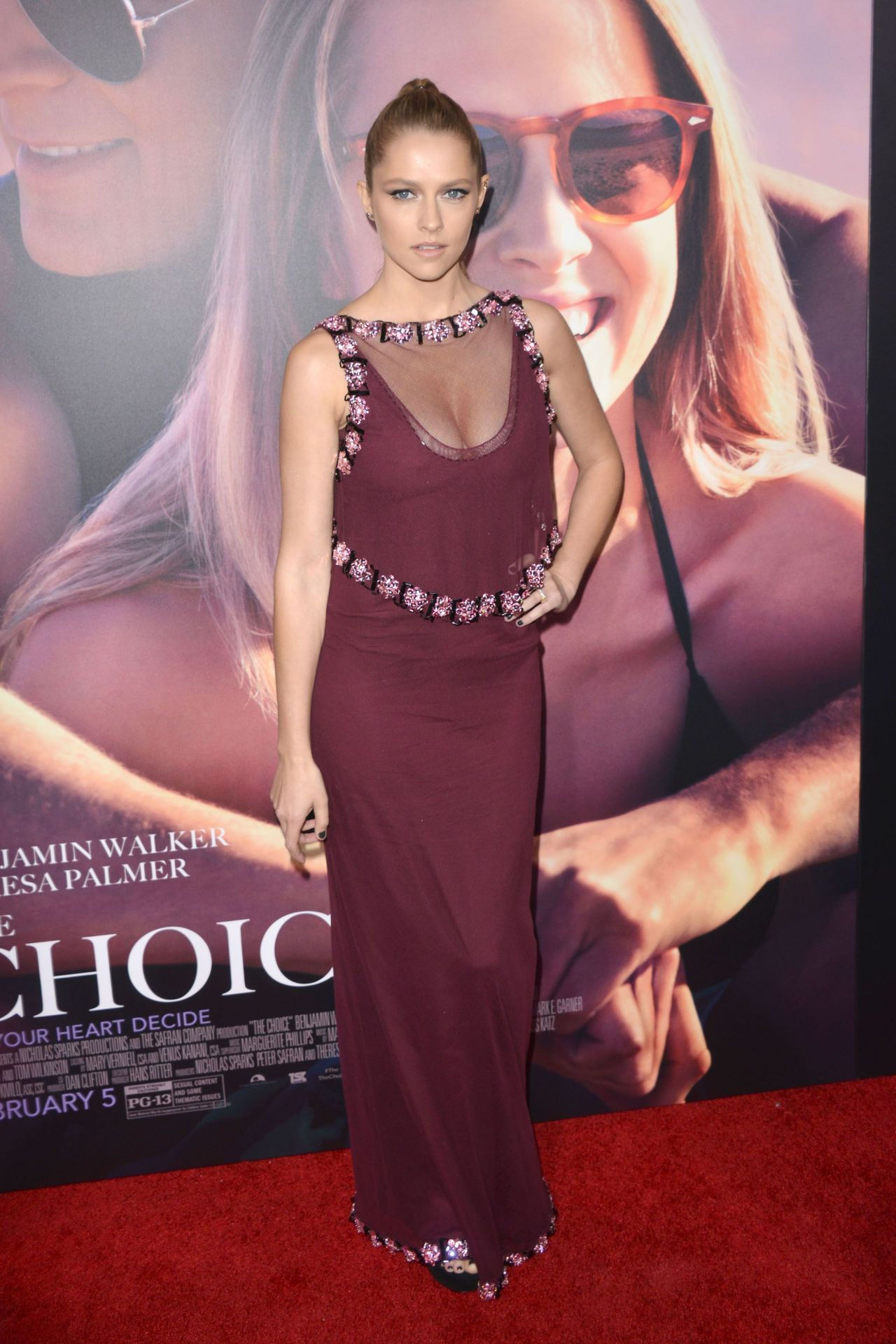 teresa-palmer-the-choice-premiere-in-hollywood-1