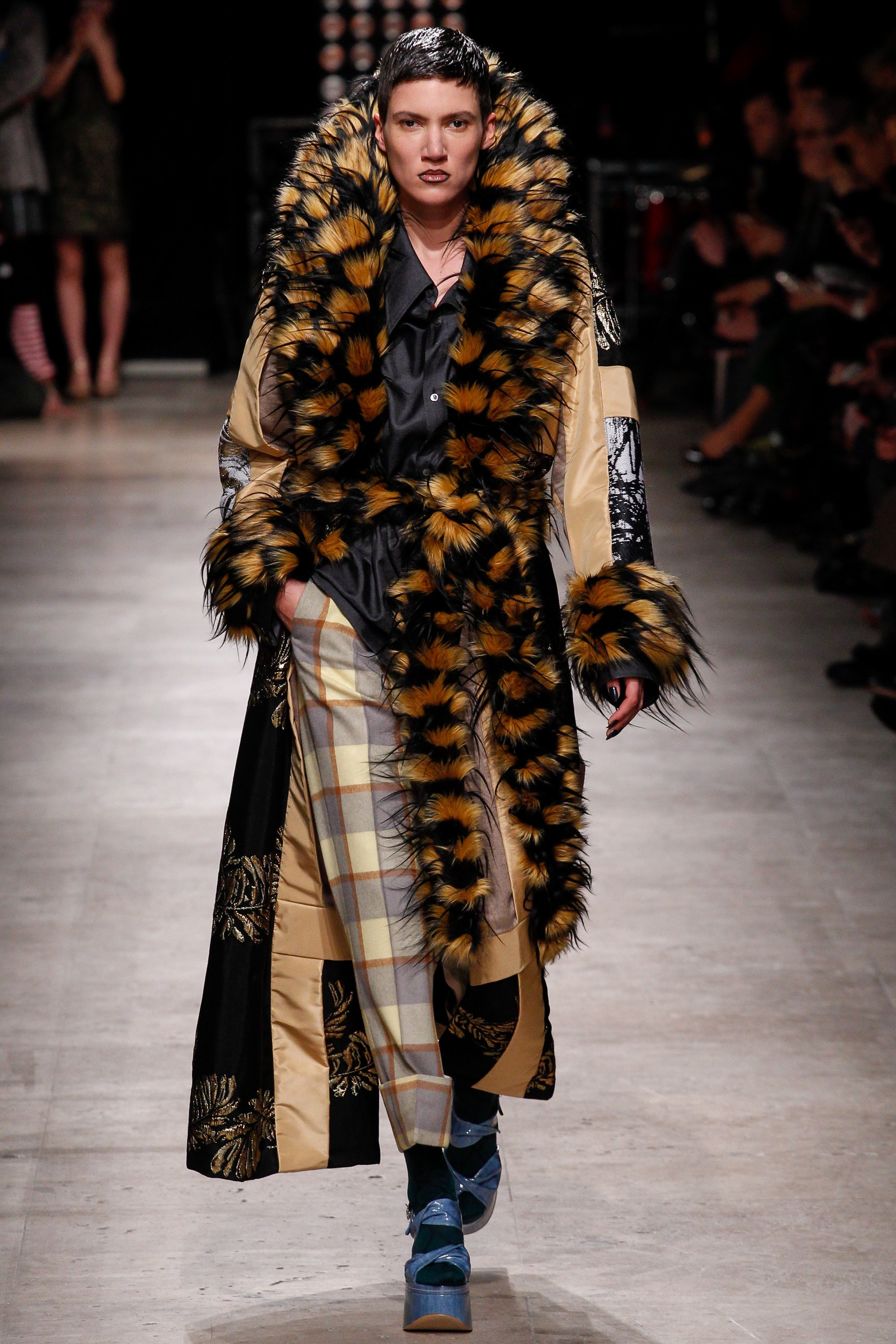 vivienne-weatwood-fall-2016-ready-to-wear-collection