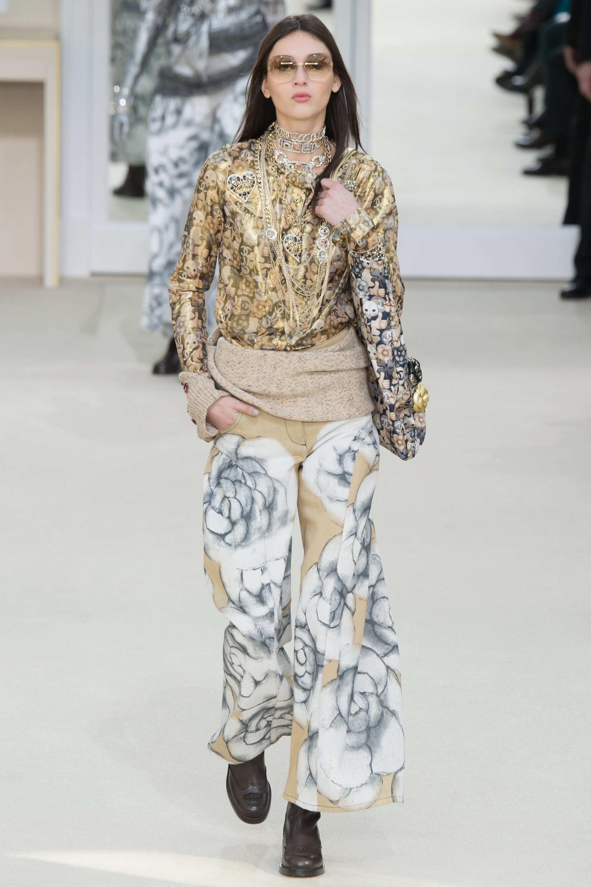 c4f0a101c4d Chanel Fall 2016 RTW - Paris Fashion Week - Fashionsizzle