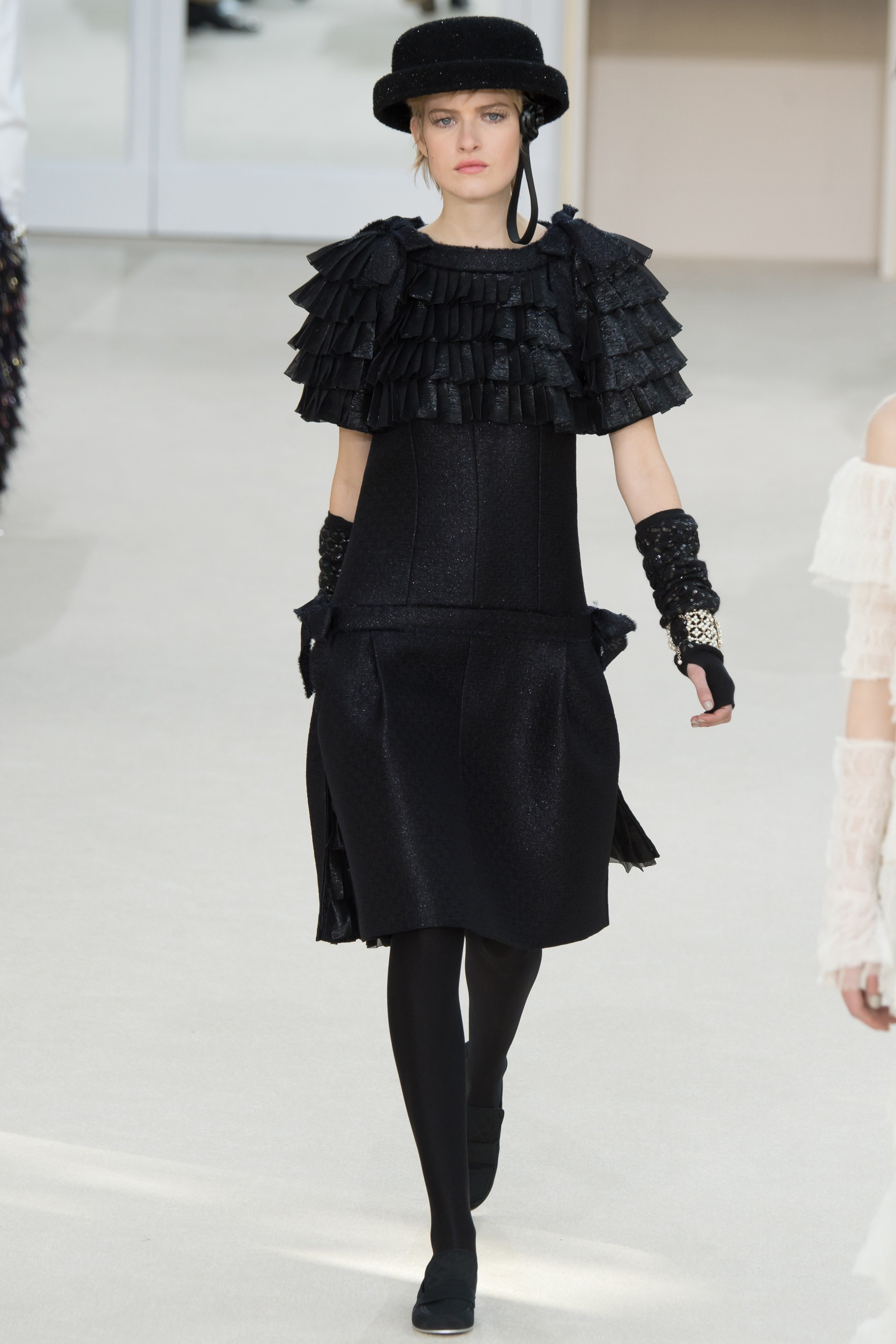 chanel-fall-2016-2017-rtw-pfw-collection