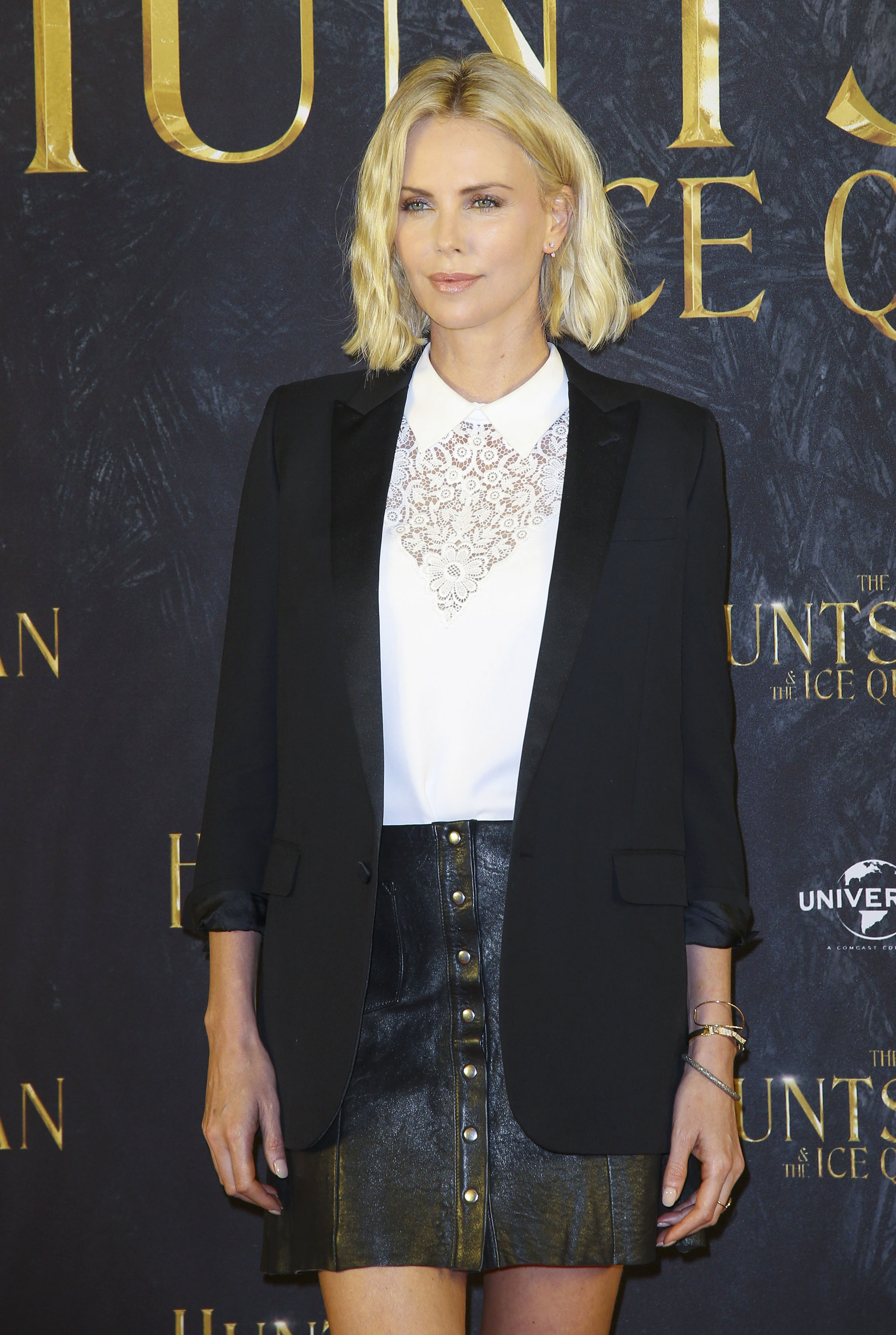 Charlize-Theron-at-The-Huntsman-The-Ice-Queen-Photo-Call-