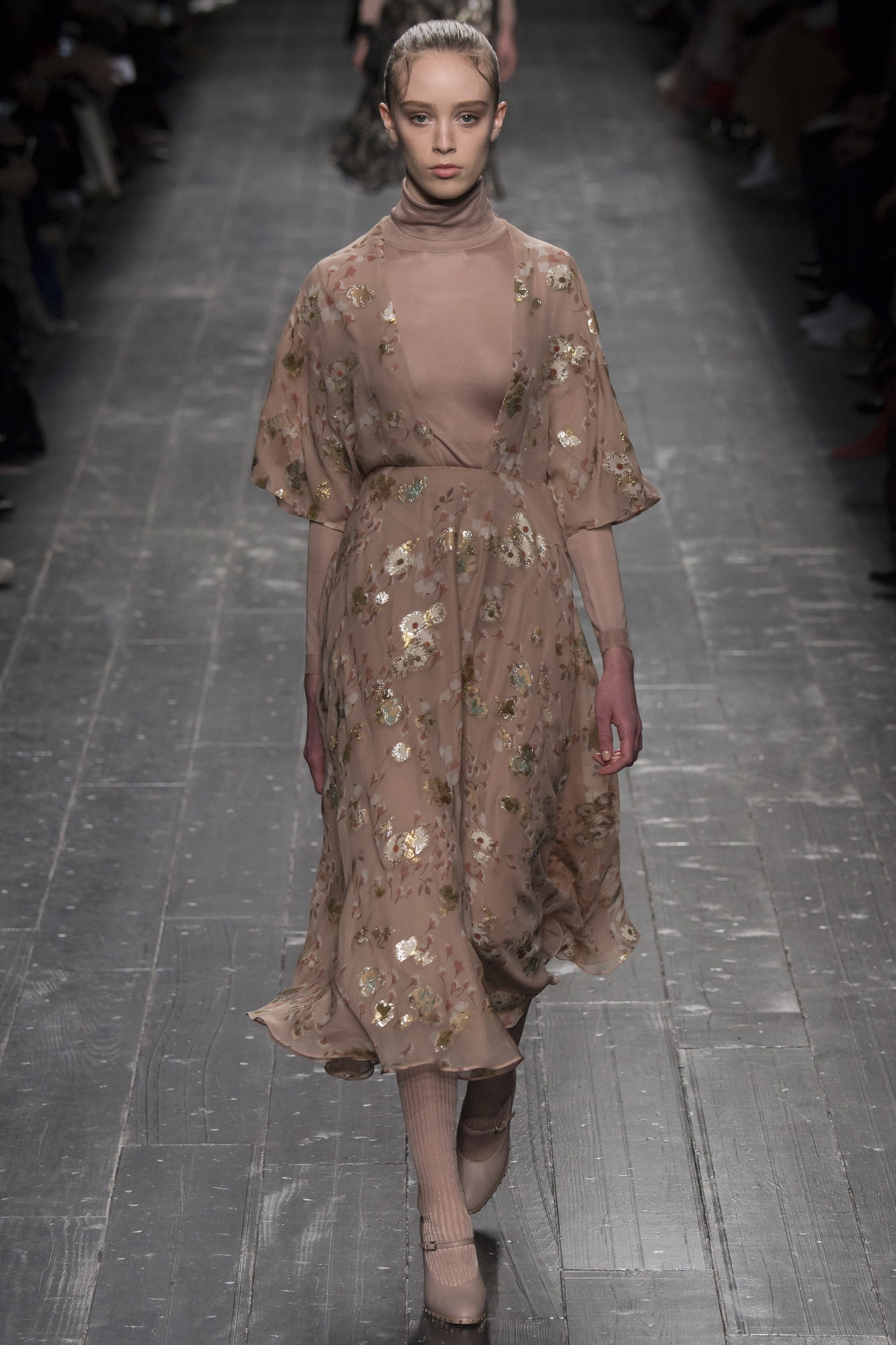 Valentino Fall 2016 Rtw Inspired By Ballet And Dance