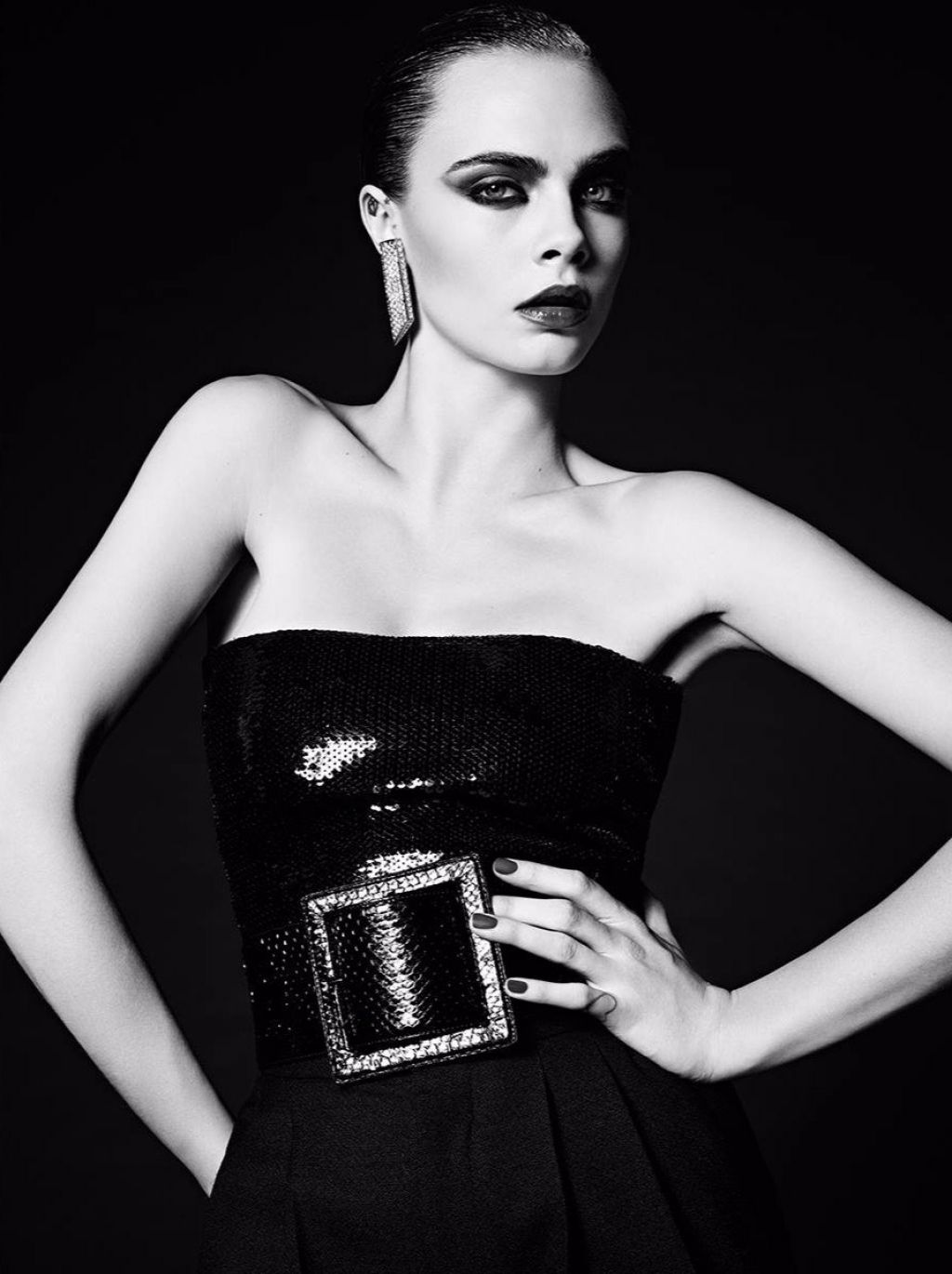 cara-delevingne-photoshoot-for-saint-laurent-le-smoking-2016-1