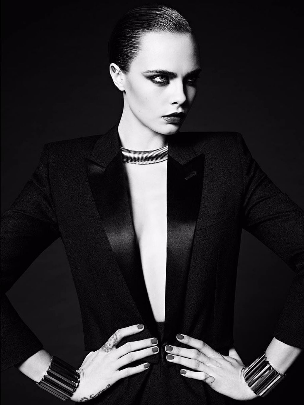 cara-delevingne-photoshoot-for-saint-laurent-le-smoking-2016-2