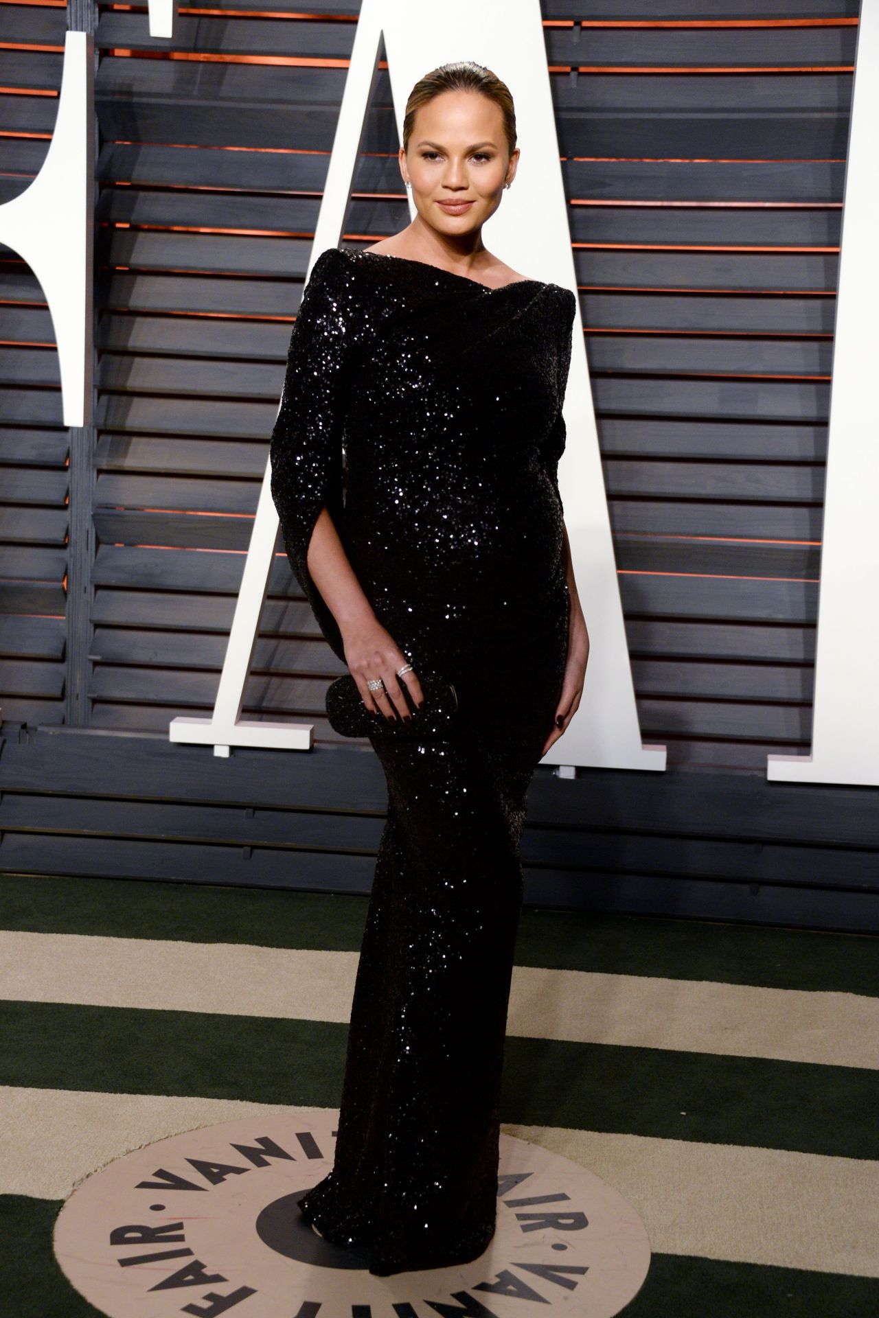 chrissy-teigen-2016-vanity-fair-oscar-party-in-beverly-hills-ca-1