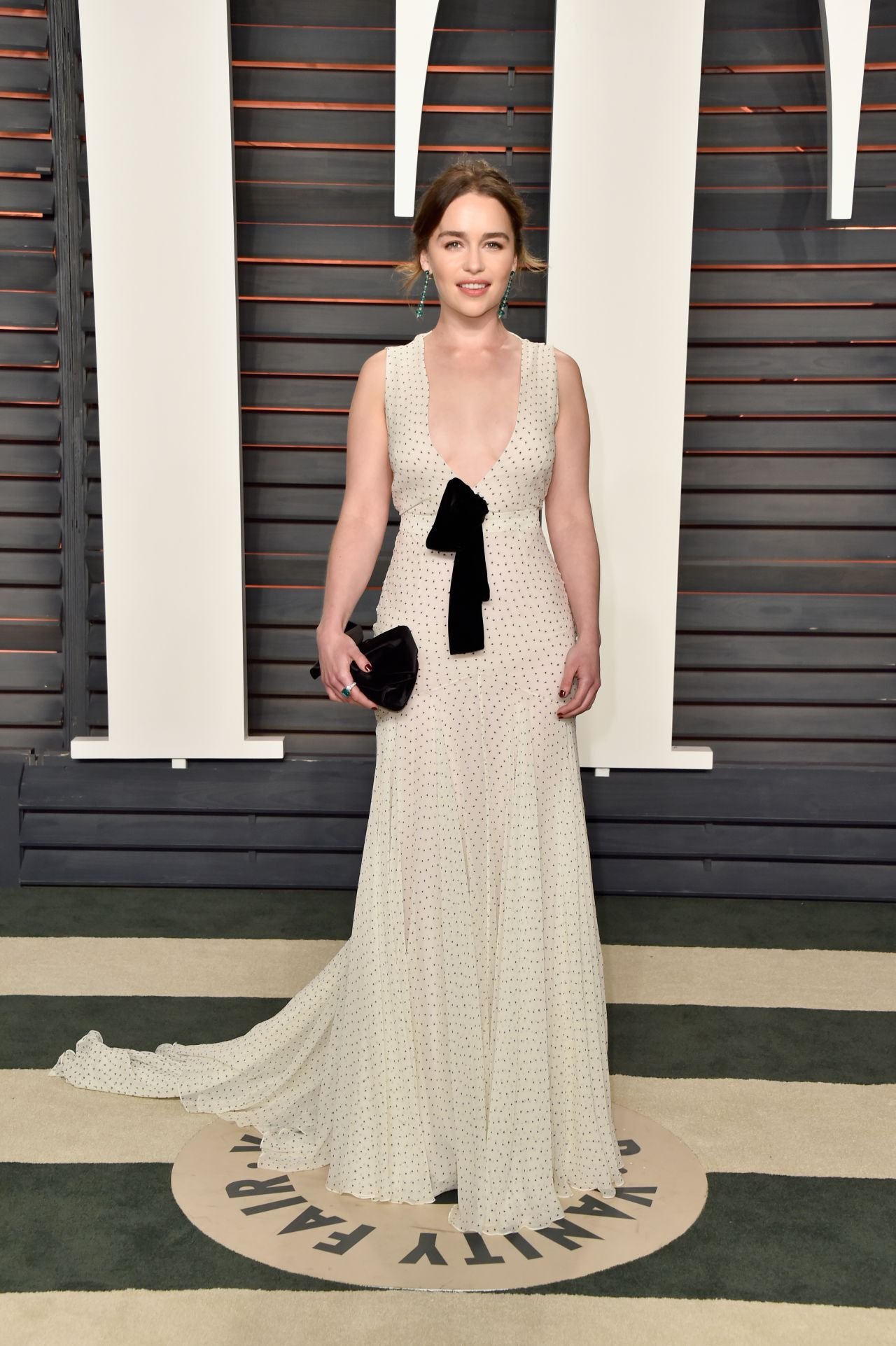 emilia-clarke-vanity-fair-oscar-2016-party-in-beverly-hills-ca-7