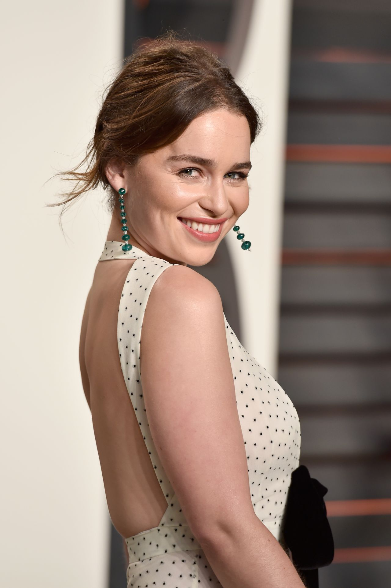 emilia-clarke-vanity-fair-oscar-2016-party-in-beverly-hills-ca-8