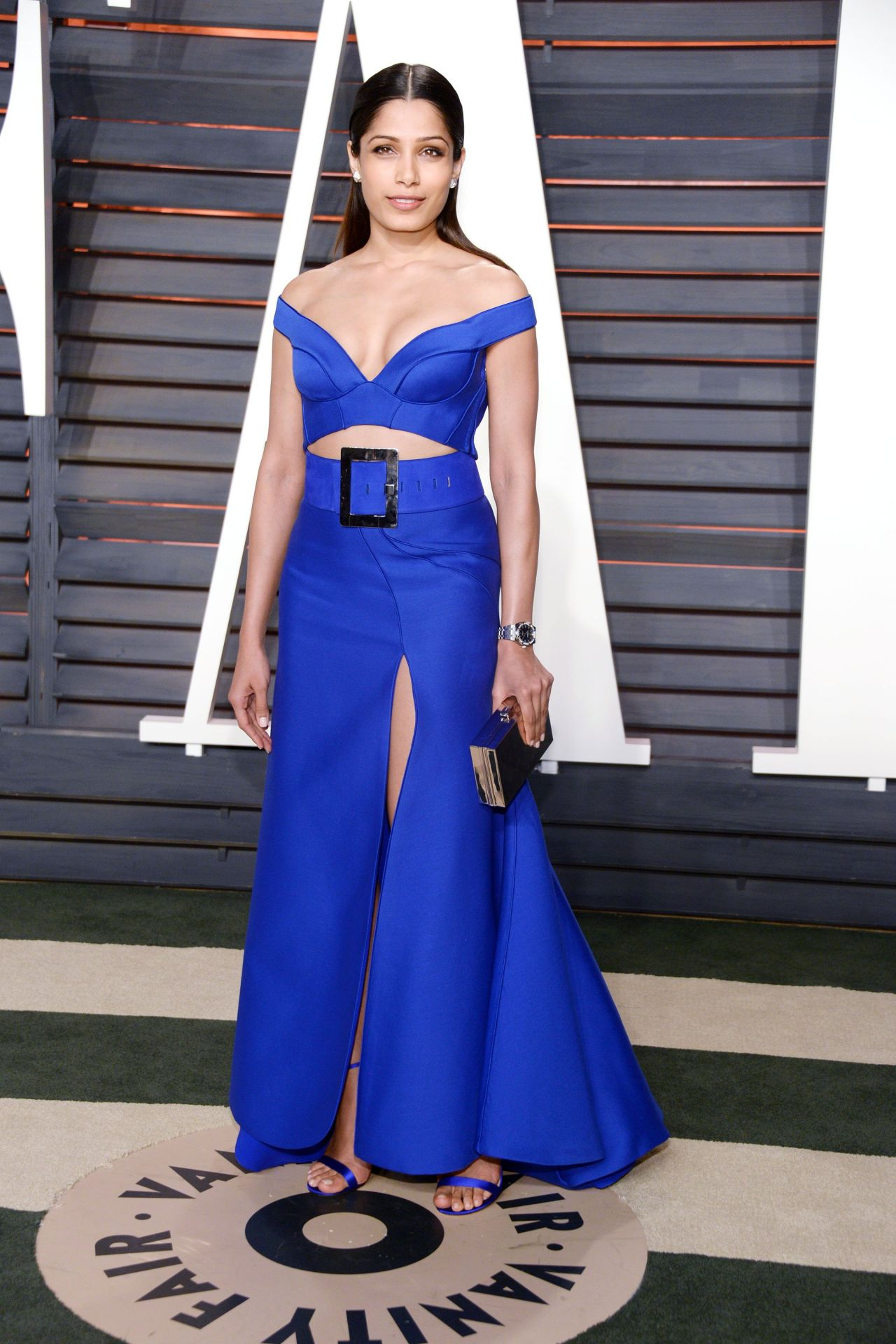 freida-pinto-2016-vanity-fair-oscar-party-in-beverly-hills-ca-7