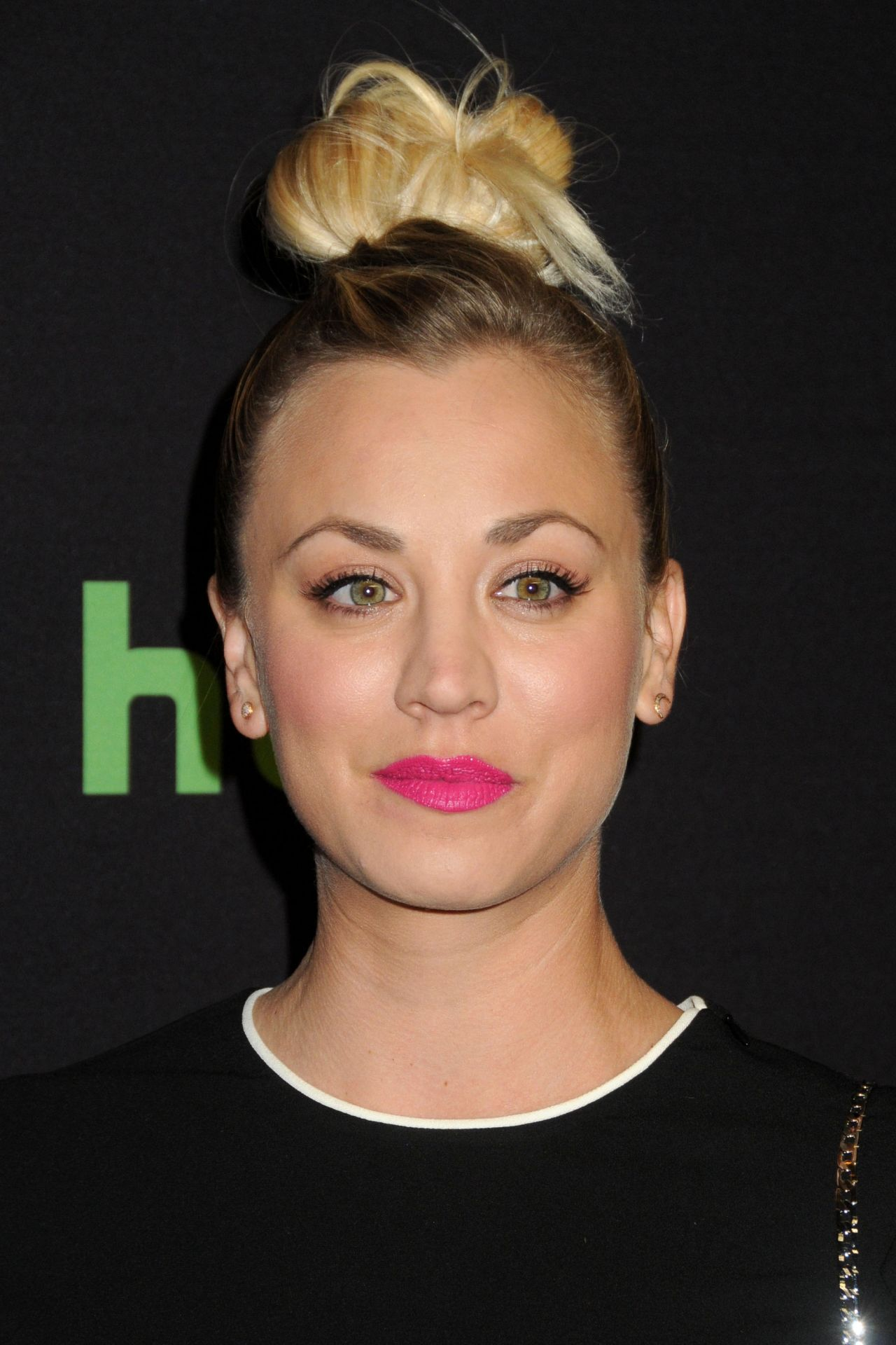 kaley-cuoco-33rd-annual-paleyfest-the-big-bang-theory-hollywood-3-16-2016-1