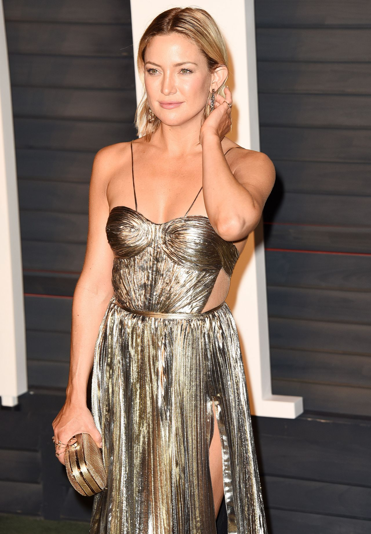 kate-hudson-vanity-fair-oscar-2016-party-in-beverly-hills-ca-10