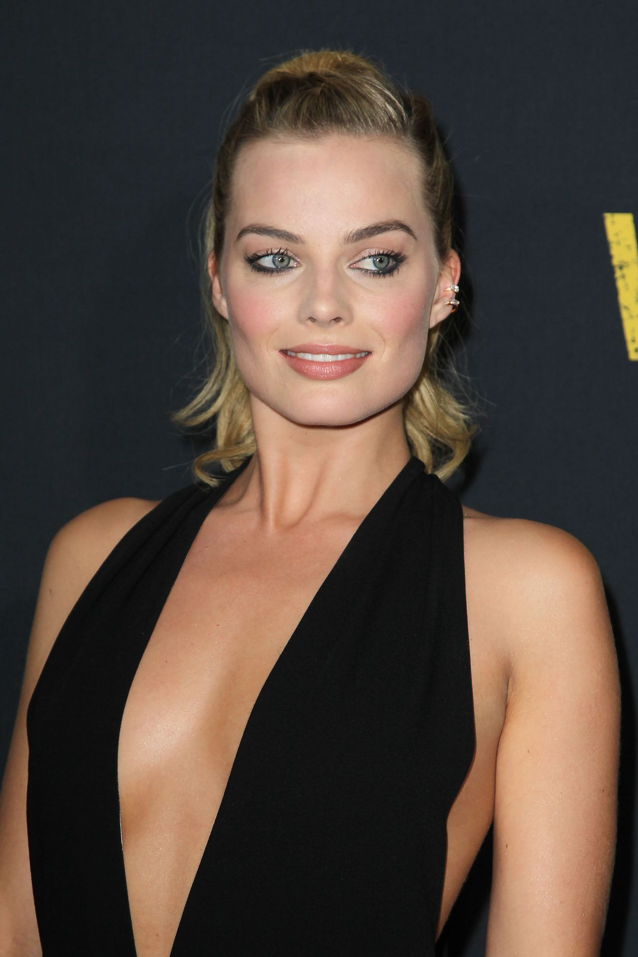 margot-robbie-whiskey-tango-foxtrot-premiere-in-new-york-city-ny-23