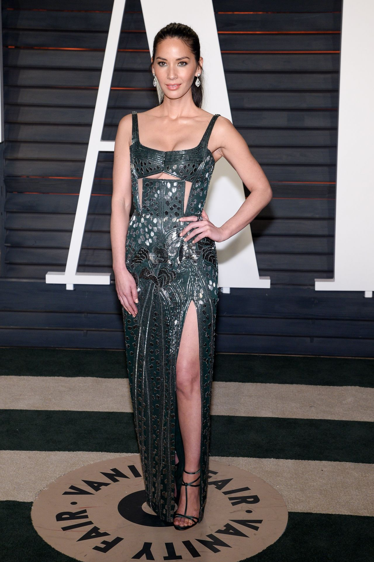 olivia-munn-2016-vanity-fair-oscar-party-in-beverly-hills-ca-6