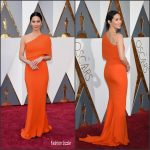 Olivia Munn  In  Stella McCartney – 2016 Academy Awards