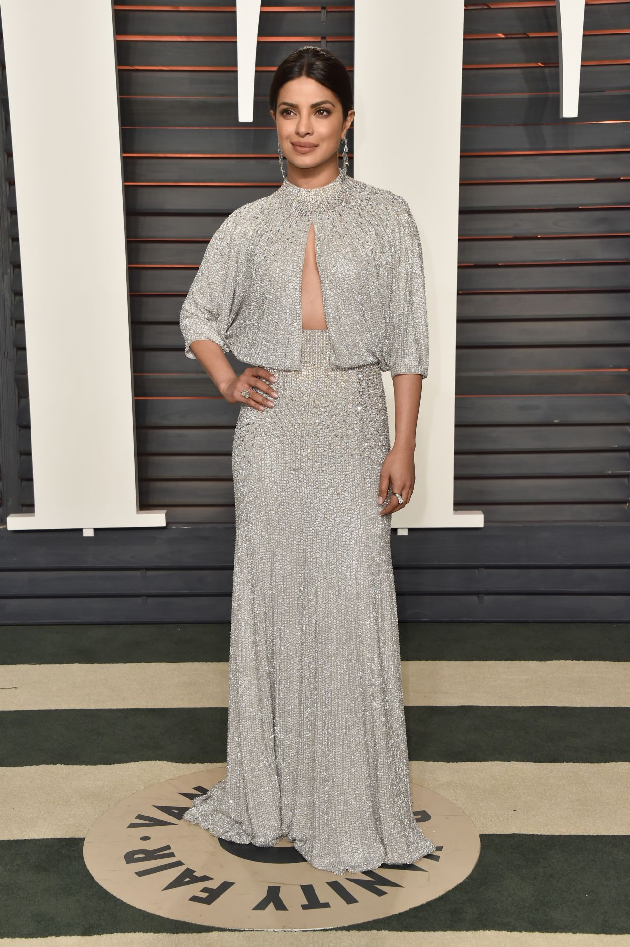 priyanka-chopra-2016-vanity-fair-oscar-party-in-beverly-hills-ca-2
