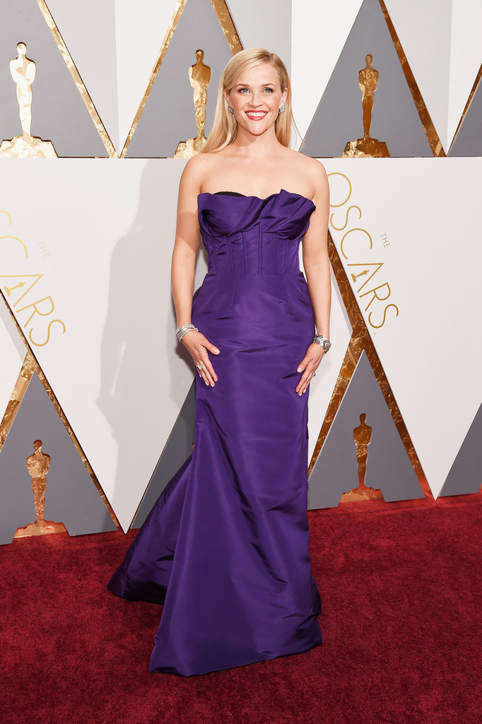 reese-witherspoon-2016-oscars-oscar-dela-renta-gown