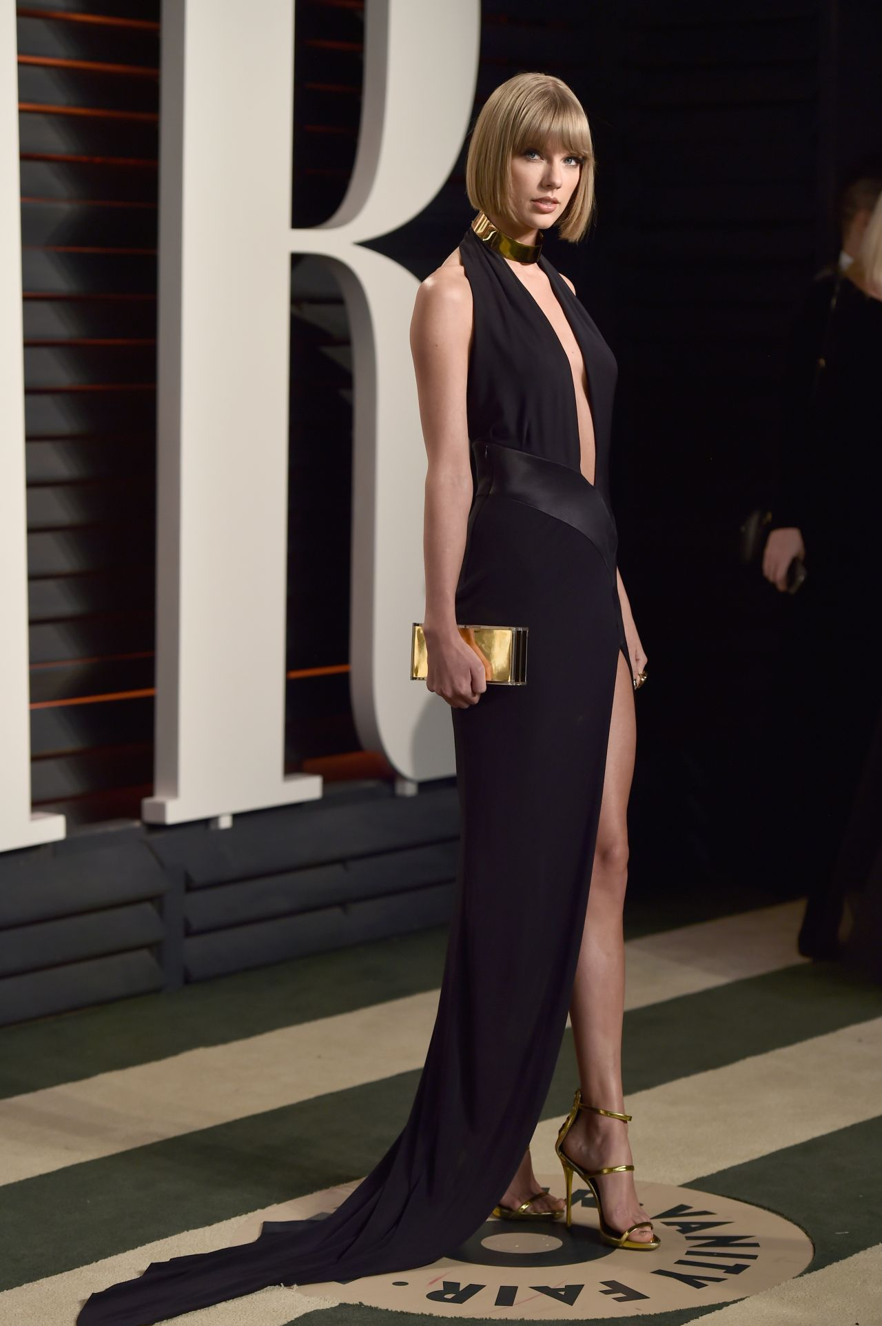 taylor-swift-vanity-fair-oscar-2016-party-in-beverly-hills-ca-3