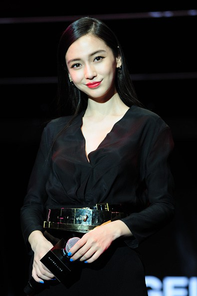 angelababy-in-alexandre-vauthier-maybelline-product-launching