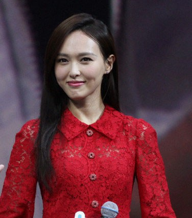 tiffany-tang-in-dolce-and-gabbana-event-in-beijing-china Tiffany Tang attended an event in Beijing, China wearing a red three quarter sleeves lace Dolce and Gabbana dress styled with red sandals
