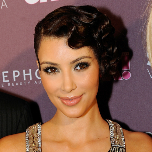 Kim-Kardashian-finger-waves
