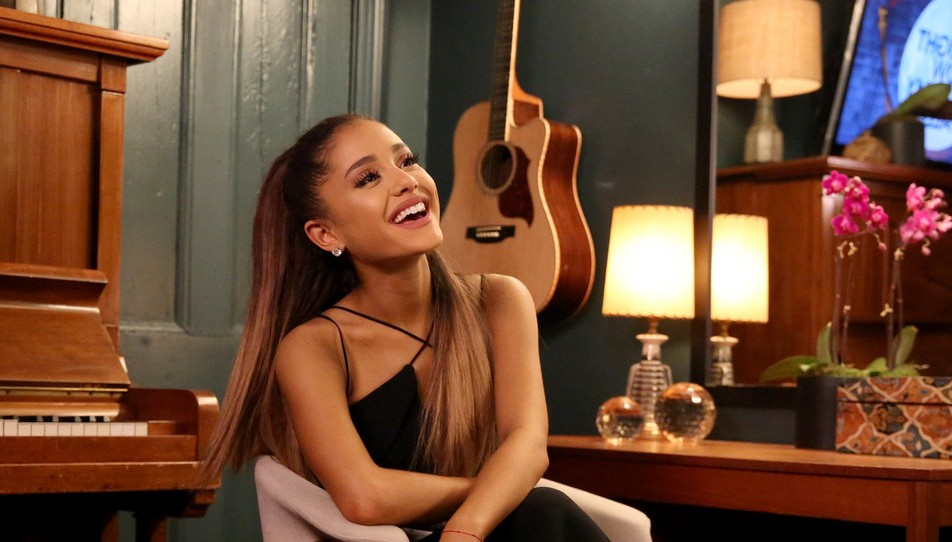 Ariana-Grande-Casual-Tonight-Show2-e1461667808835
