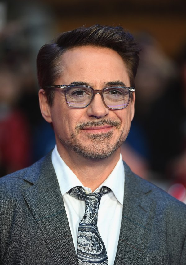 robert-downey-jr-in-etro-at-captain-america-civil-war-london-premiere