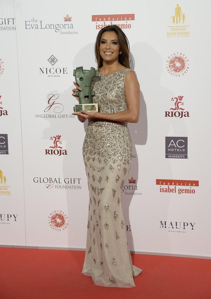 Eva-Longoria-Global-Gift-Gala-2016-4
