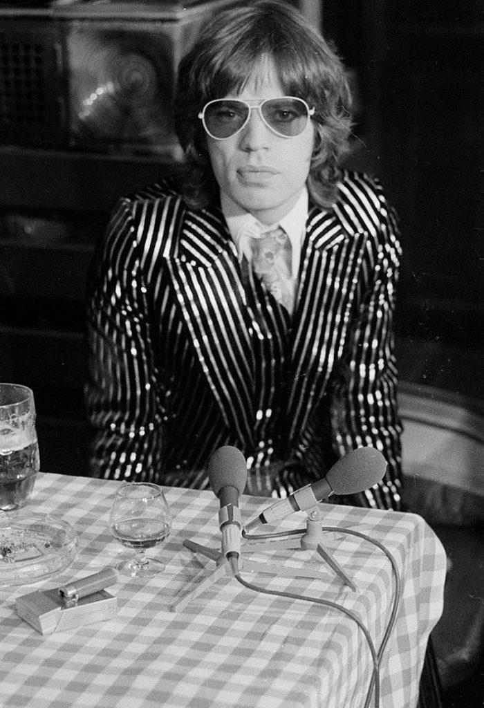 Mick-Jagger-1973-Style-Picture-e1458707589542-800x1170