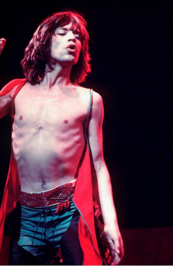 Mick-Jagger-1976-Style-Shirtless-800x1228