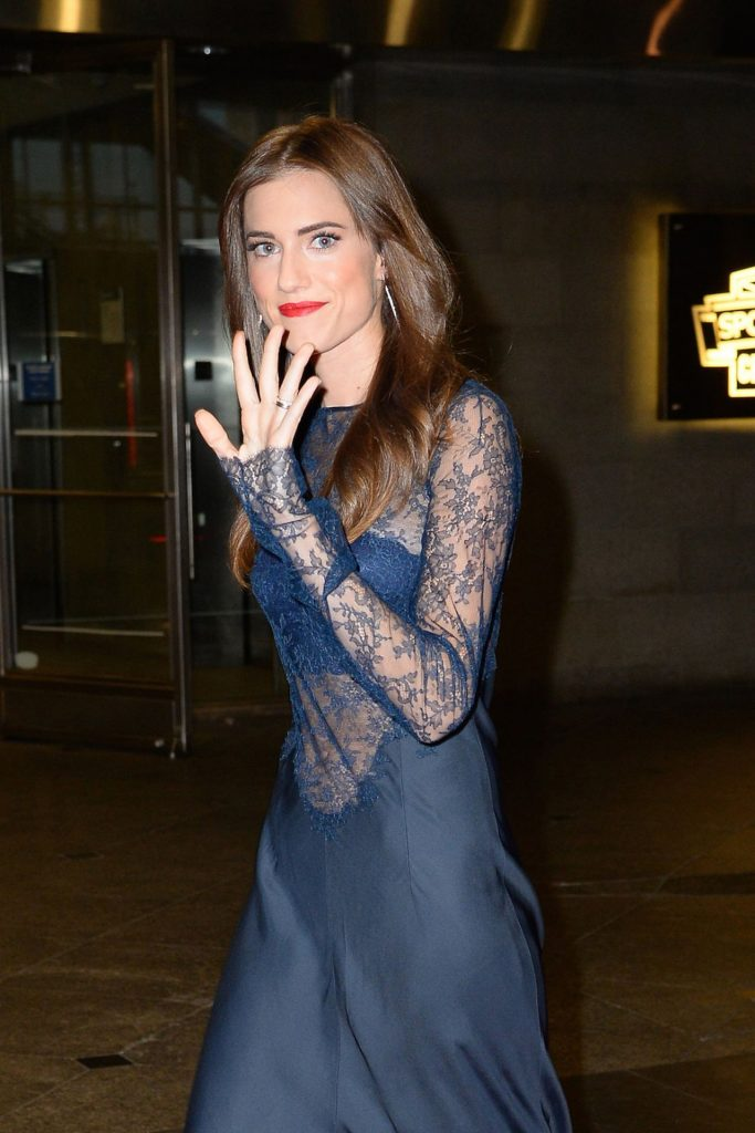 allison-williams-2016-blossom-ball-benefiting-endometriosis-foundation-in-nyc-2