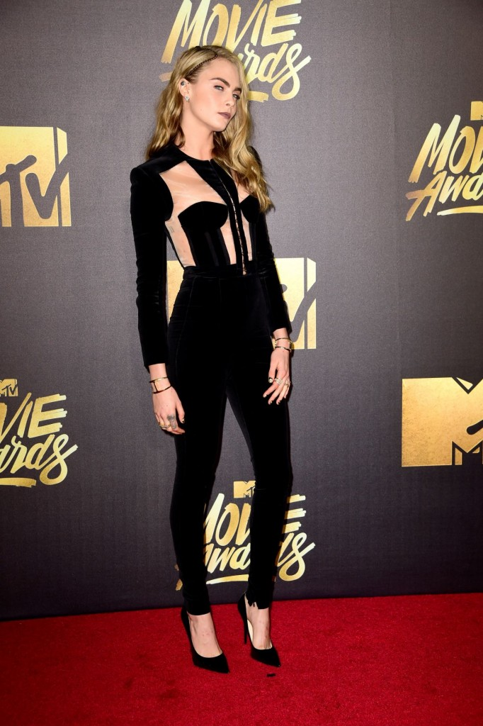 cara-delevingne-2016-mtv-movie-awards-in-burbank-ca-11