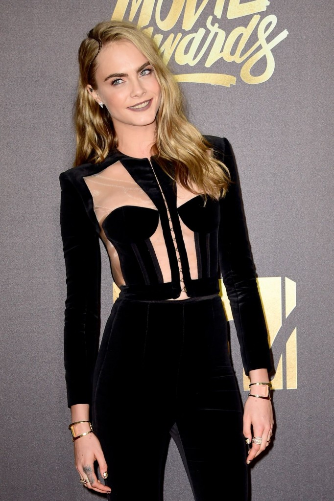 cara-delevingne-2016-mtv-movie-awards-in-burbank-ca-12