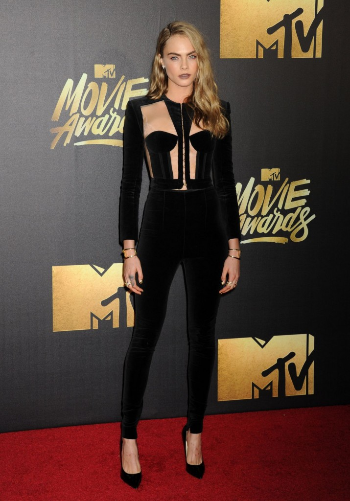 cara-delevingne-2016-mtv-movie-awards-in-burbank-ca-18