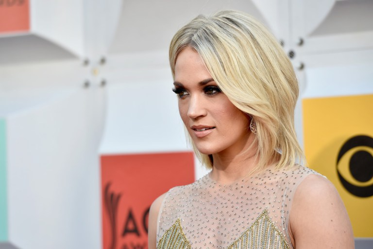 carrie-underwood-2016-acm-awards-makeup