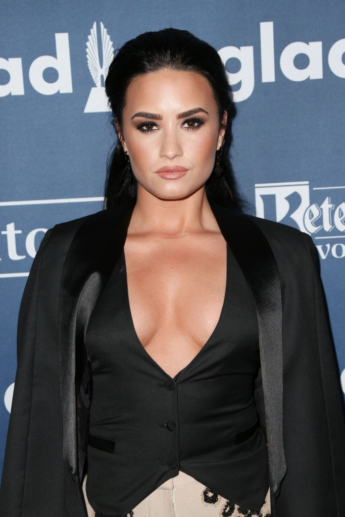 demi-lovato-2016-glaad-media-awards-in-beverly-hills-4-02-2016-2