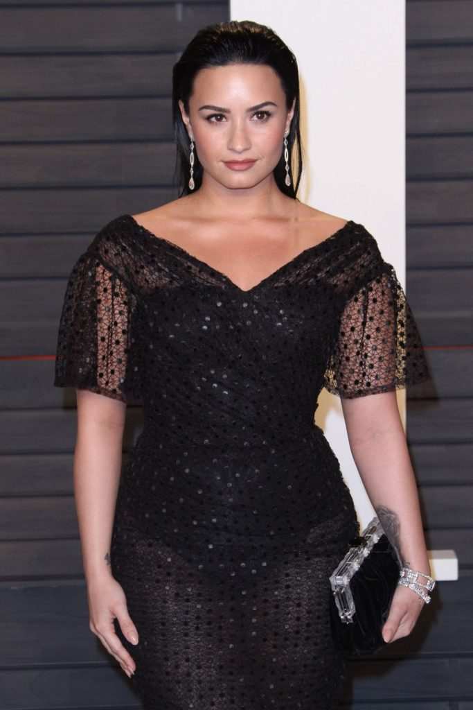 demi-lovato-2016-vanity-fair-oscar-party-in-beverly-hills-ca-11