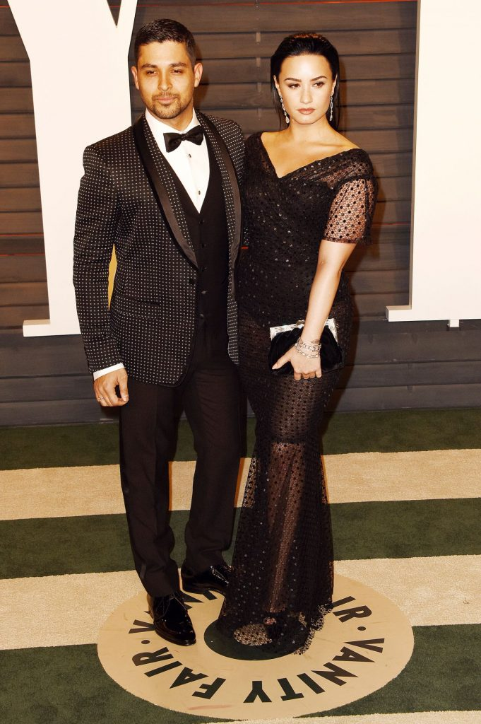 demi-lovato-2016-vanity-fair-oscar-party-in-beverly-hills-ca-7