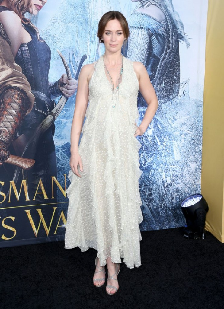 -emily-blunt-the-huntsman-winter-s-war-premiere-in-westwood-2