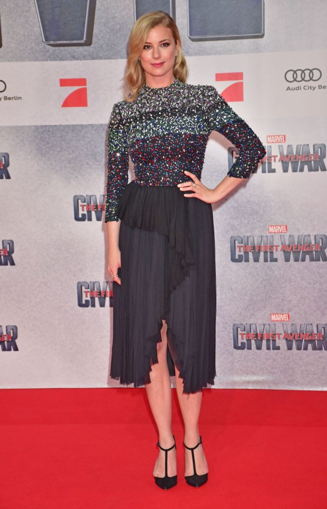 emily-vancamp-the-first-avenger-civil-war-premiere-in-berlin-2