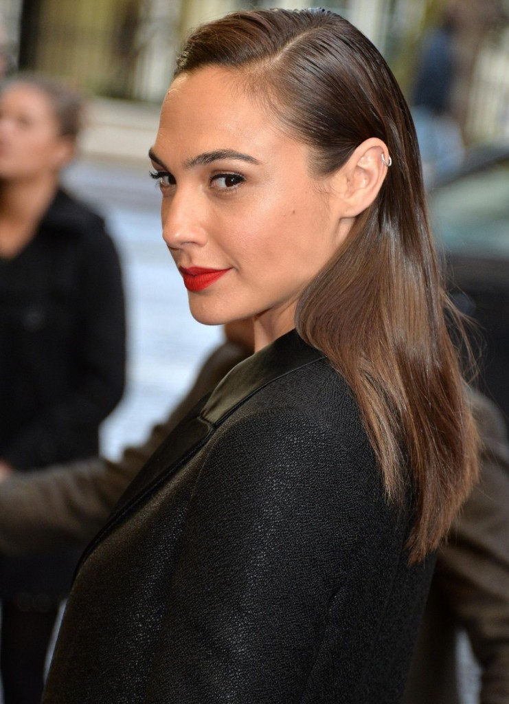 gal-gadot-criminal-premiere-in-london-uk-4