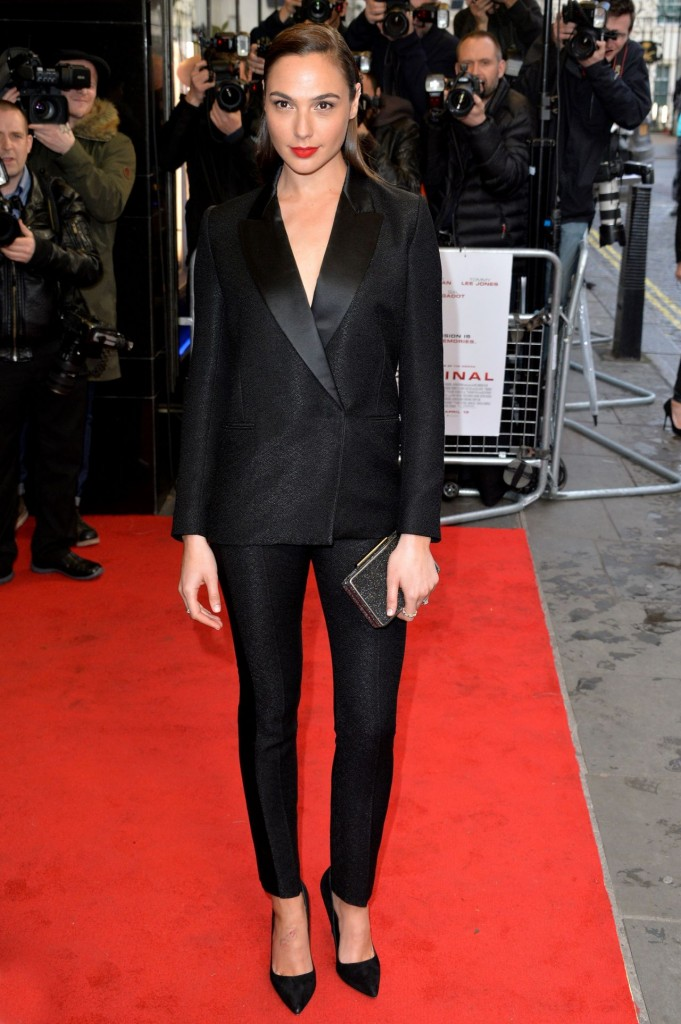 gal-gadot-criminal-premiere-in-london-uk-5