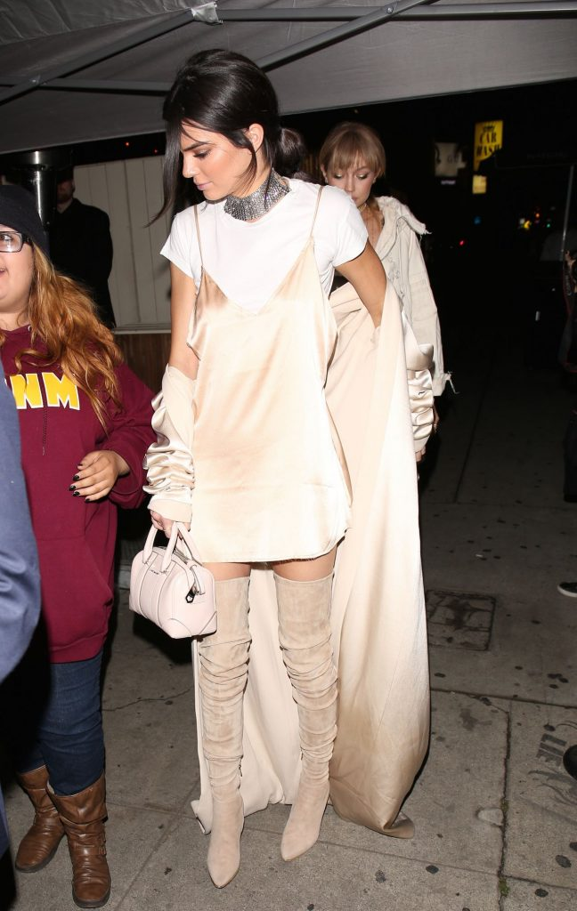 gigi-hadid-and-kendall-jenner-stop-by-the-nice-guy-after-mtv-movie-awards-4-9-2016-12