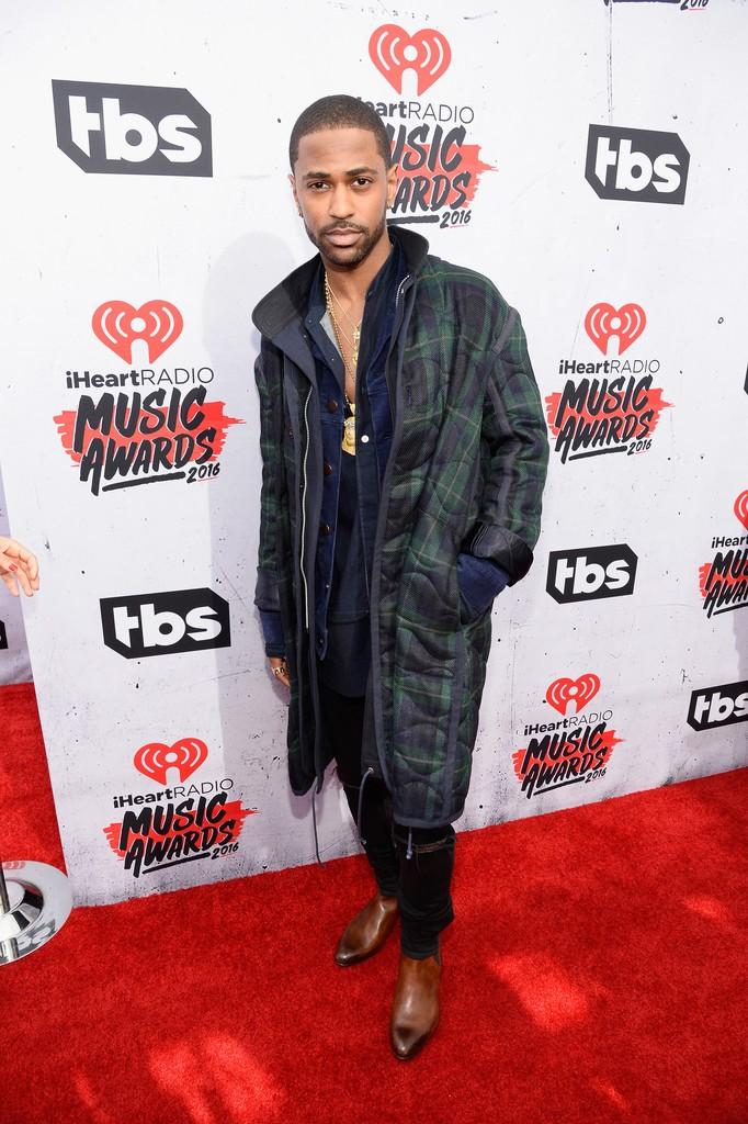 iHeartRadio-Music-Awards-Red-Carpet-big-sean