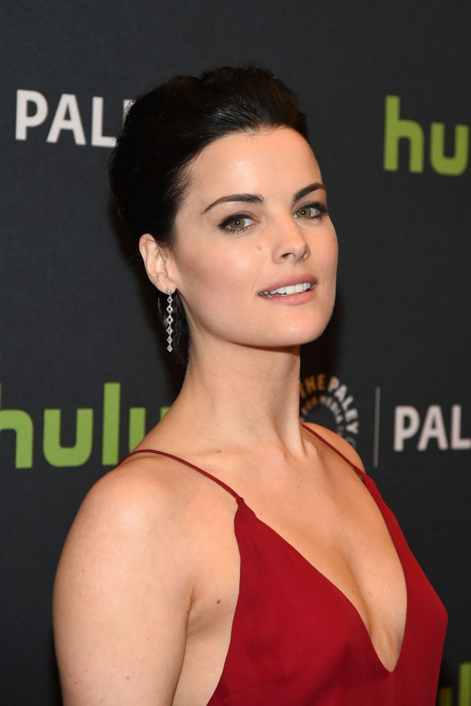 jaimie-alexander-paleylive-ny-an-evening-with-the-cast-creator-of-blindspot-in-new-york-city-1