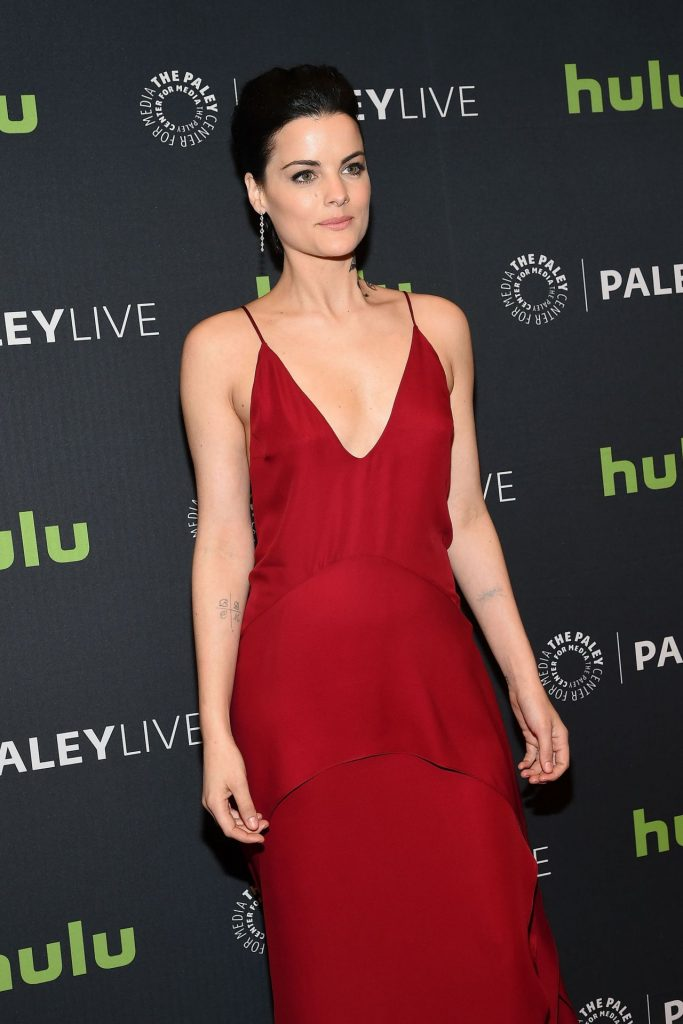 jaimie-alexander-paleylive-ny-an-evening-with-the-cast-creator-of-blindspot-in-new-york-city-11