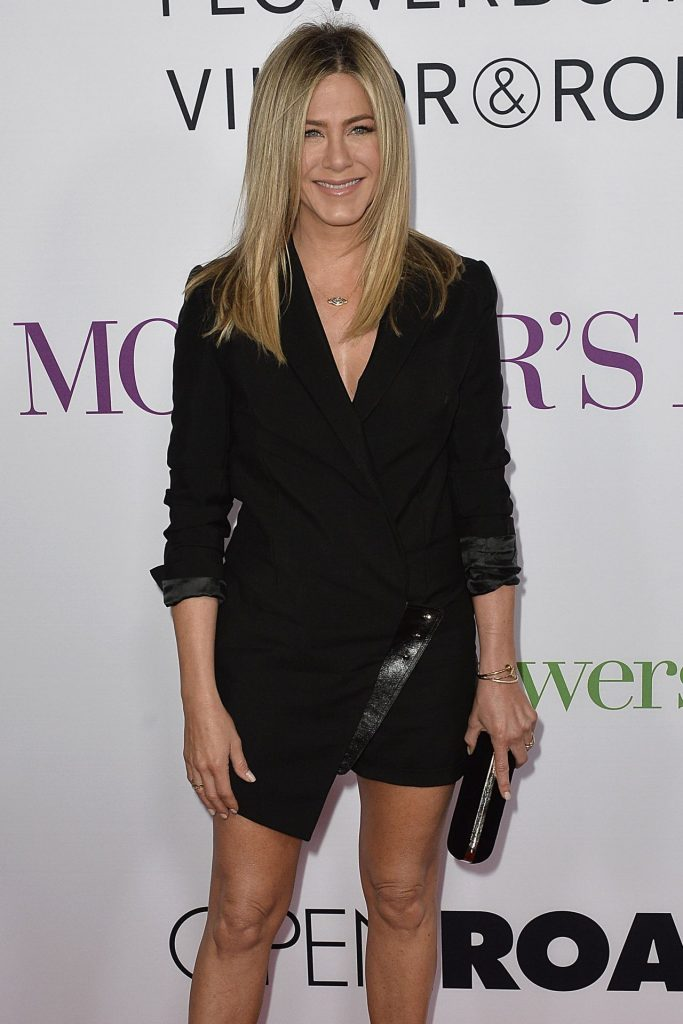 jennifer-aniston-mother-s-day-world-premiere-in-los-angeles-1